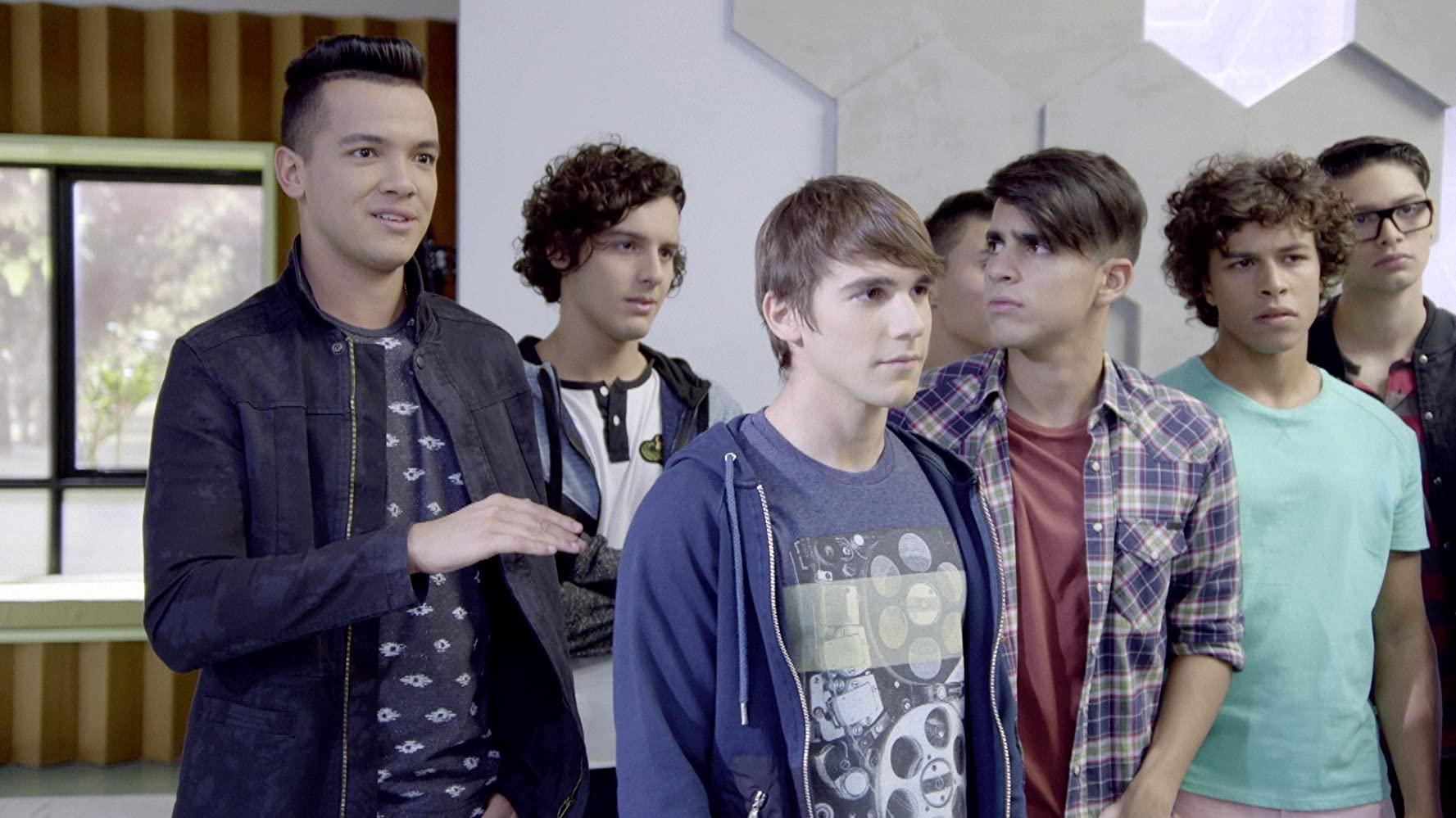 Unsprezece 11 Sezonul 2 Episodul 11 Dublat în Română